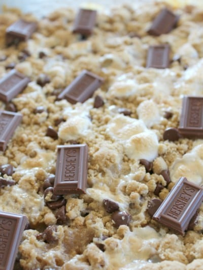 S'mores Bars are scrumptious and easy to make. Enjoy this yummy dessert!