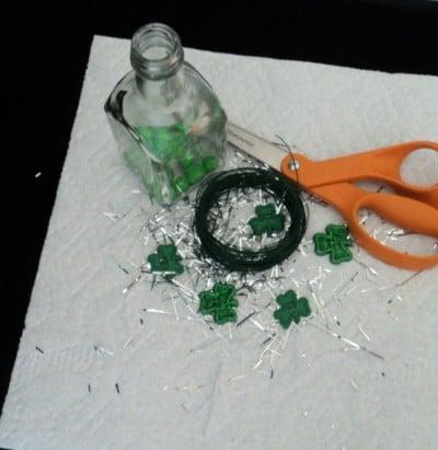 shamrock button vase materials