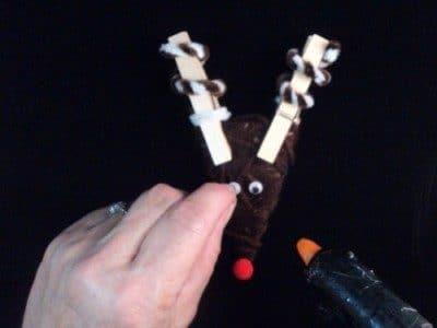reindeer craft glue eyes