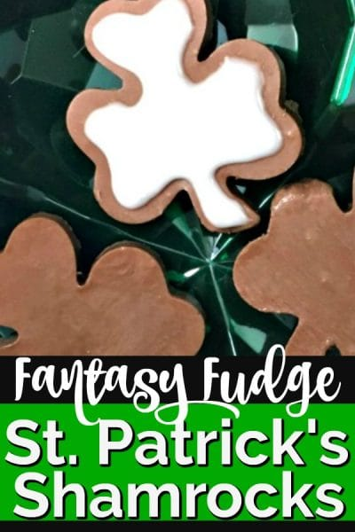 Fudge Samrocks on a green plate.