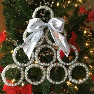 mason jar lid christmas tree